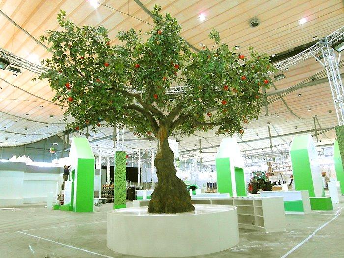 What Is Stand For >> Künstlicher Apfelbaum als Messestand-Dekoration